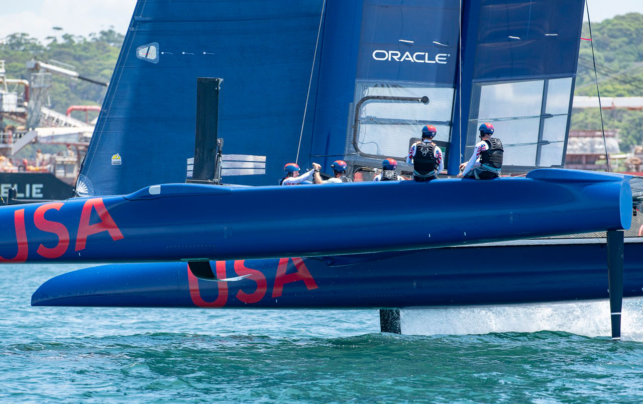 Oracle brand on sail