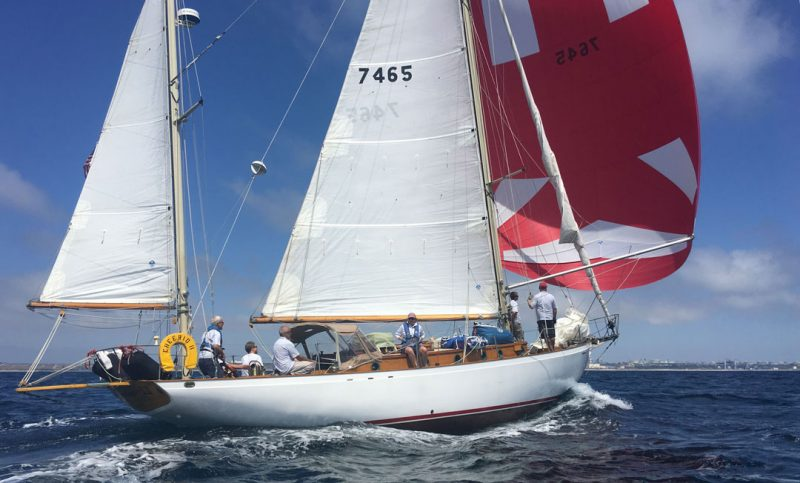 Cheerio II with spinnaker