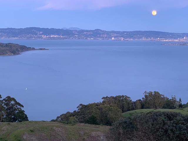 Ericson 27, Homeslice, with full moon rising