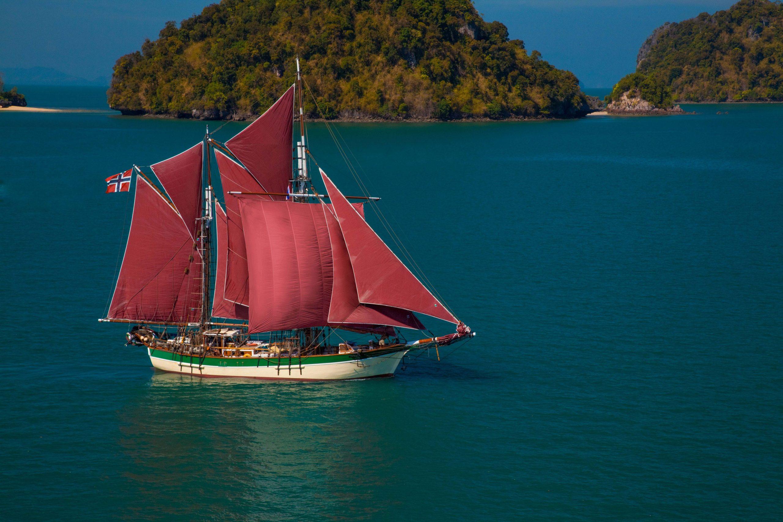 Historic Vessel Vega under sail