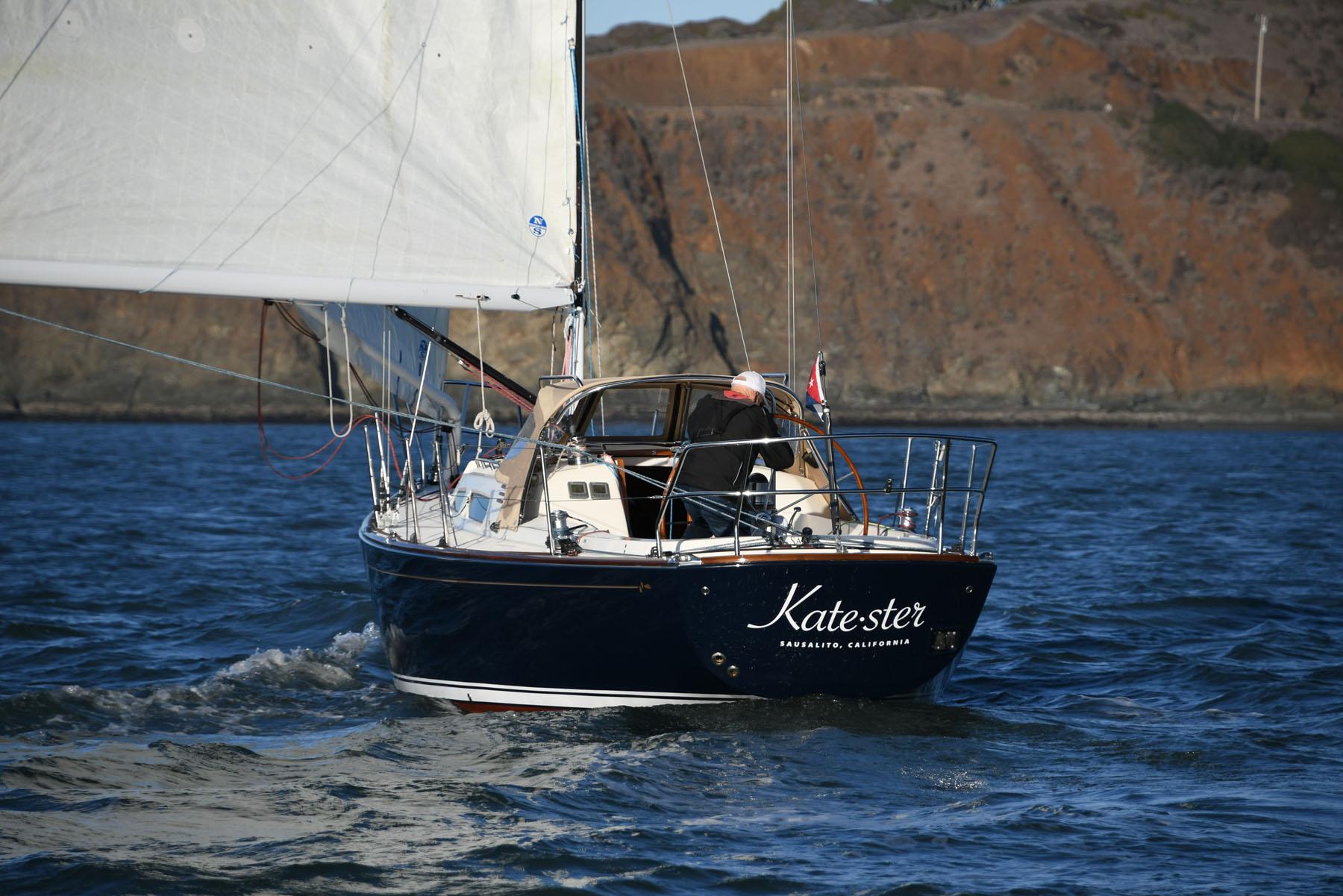 Solo sailing Katester