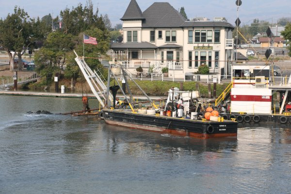 Petaluma River dredge