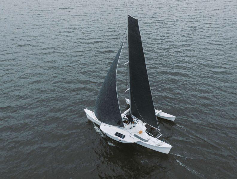 Jzerro sailing
