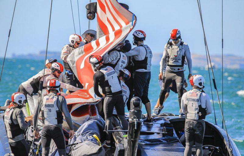 Patriot crew folds main