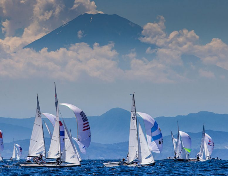 470s sailing in front of Mt. Fuji