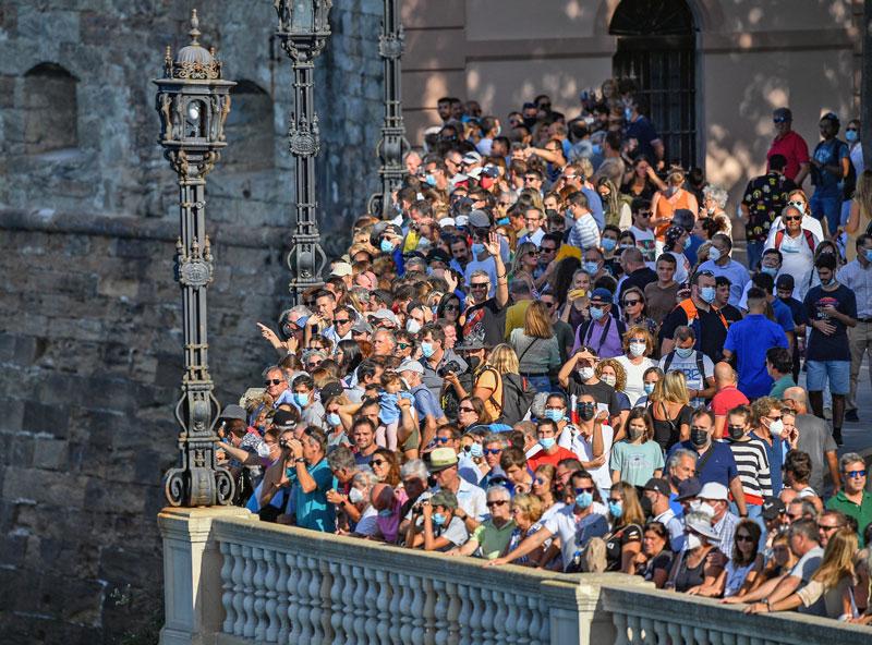 Crowd of spectators in Cadiz